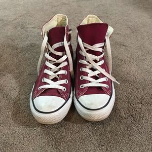 Maroon/Burgundy High Top All Star Converse Sz8